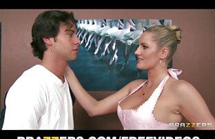 Hottie mamando un montón de pollas en ver peliculas porno español latino el ring